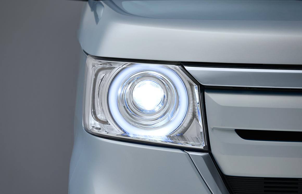 N-BOX LEDヘッドライト(〈オートレベリング/オートライトコントロール機能付〉)